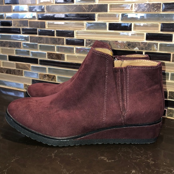 Franco Sarto Bruno Burgandy Faux Suede Wedge